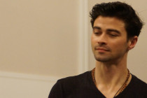 Go to German Version  Interview by Christine Schmidt and Gaby Eichberger Matt Cohen – he played the part of young John Winchester in SUPERNATURAL. The Karaoke Shows at Supernatural Conventions, […]
