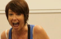 Go to German Version We're pleased to welcome our first female interview partner: Kim Rhodes aka Supernatural's Sheriff Jody Mills. We hope you enjoy the interview as much as we […]